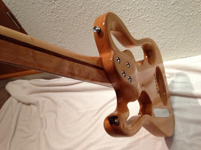 Ken Parkers NiteFly Design The Result Is A 22 Fret Neck Where Its Just As Easy To Play Up High On It Anywhere Else